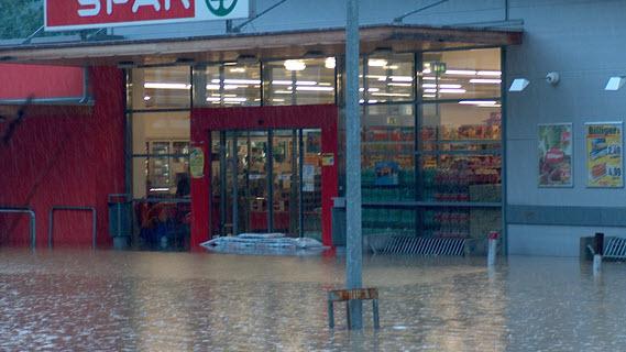14_Supermarkt unter Wasser