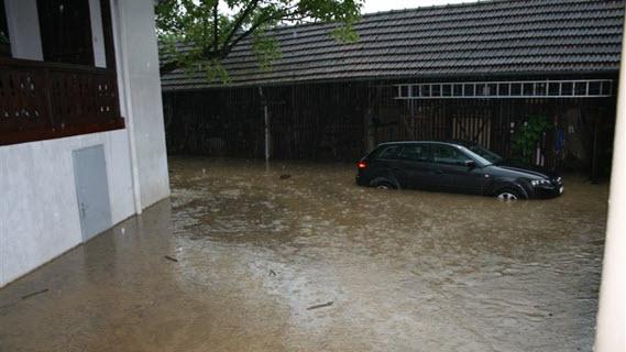 19_Auto unter Wasser